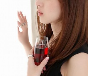 pretty-asian-girl-with-glass-of-wine